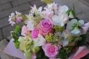 野の花屋 あわーいピンクアレンジメント