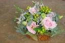 野の花屋 バスケットピンクアレンジメント