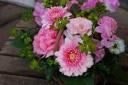 野の花屋 ピンクバスケットアレンジメント