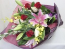 punto.バラとオリエンタルリリーの花束