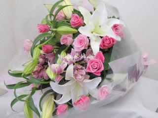 punto.バラとカサブランカの花束