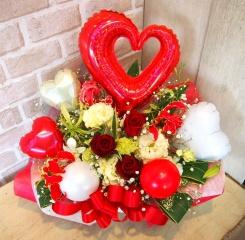 バルーン入りアレンジ◆お花たっぷり♪紅白◆