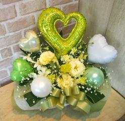 バルーン入りアレンジ◆お花たっぷり♪グリーン×白◆