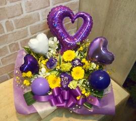 バルーン入りアレンジ◆お花たっぷり♪紫×黄◆