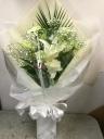 真っ白な花束