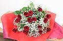 【定番】赤バラとかすみ草の花束