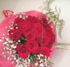 【レッドベルベット】 バラとかすみそうの花束