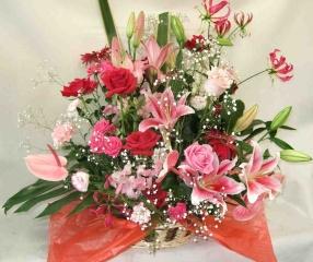 【デフィデリ】 バラとユリの華やかアレンジメント