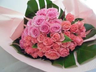 【ホニリマ】明るいピンクバラ50本の花束