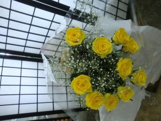 先生お任せ・バラの豪華な花束です。