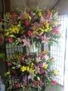 当店一押し・2段スタンド花、とても華やかです。