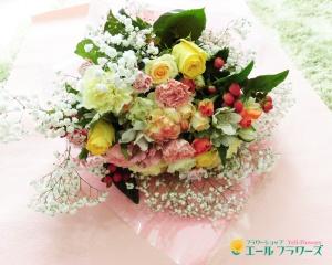バラとカスミソウの入ったボリューム花束