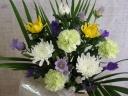 菊の花のお供えアレンジメント