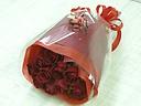 赤いバラの小さなブーケ(丈短め)