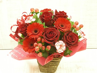 Love Roses  ?真っ赤なバラのアレンジメント?