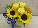 ひまわりと黄色いバラのアレンジメント