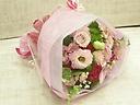 可愛らしいピンクを集めたブーケ