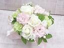 洋花のバラ入りお供えアレンジメント~白とピンク~