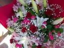 両手で抱えるほどの大きな花束☆