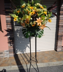 明るい黄色&オレンジ系の「1段スタンド花」
