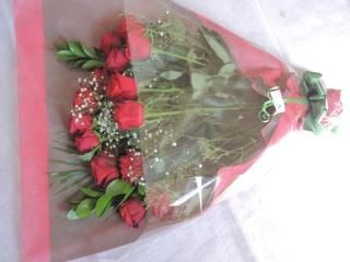 情熱的な赤バラのお花束