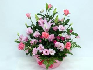 ピンクユリとピンクバラのアレンジメント