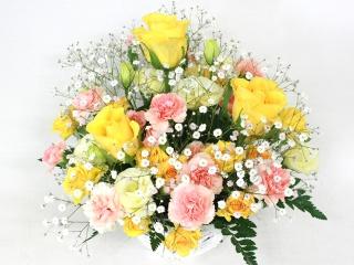 黄色いバラのふんわりアレンジ