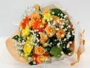 オレンジのスプレーバラとガーベラの花束
