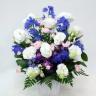 ブルーのお花が入ったお供えアレンジメント