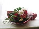 大切な方への誕生祝いなど・華やかな色合いの花束