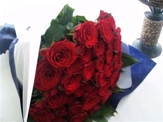 特別な日に花言葉は真実の愛を誓う!レッドローズ40