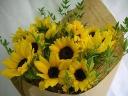 元気とやる気の出る向日葵の花束
