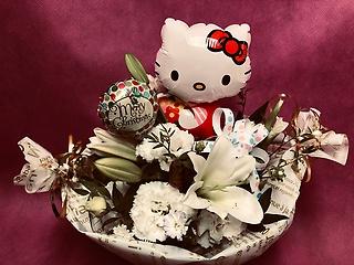 【Hello Kittyバルーン入りWhiteアレンジ】