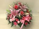 ピンクのユリとバラのアレンジメント
