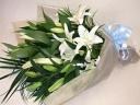 白い大輪百合のお供え花束
