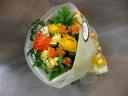 ビビットカラーの花束