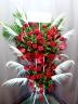 豪華絢爛! 人目が集中 赤バラのハートスタンド