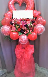 赤いハートのポップなきらきらバルーンスタンド花