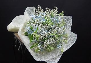 ♪ロマンティック♪ ブルースターとカスミソウの花束