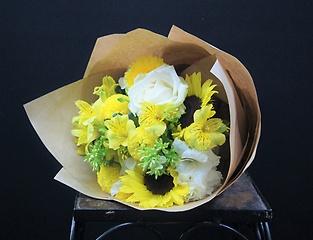 Have a nice day♪ 黄色と白の嬉しくなるブーケ