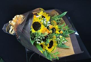眩しい!夏のお花で作った素敵な花束