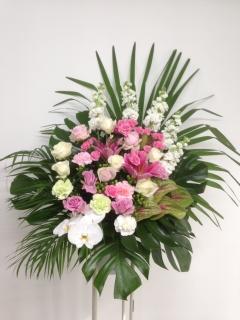 174 ピンクバラ 胡蝶蘭 緑アンス スタンド花