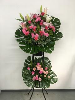 214 ピンクユリ・バラ スタンド花