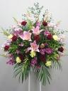 赤バラとユリのスタンド花C2298