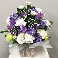 お供え紫と白のアレンジメントFR2628