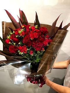 新鮮な赤バラの花束☆