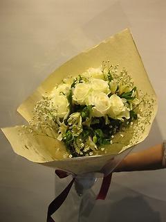 白バラの花束☆