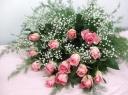 ピンクバラとカスミ草の花束