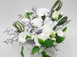 白のお供え花アレンジメント