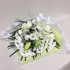 【供花】ユリとカーネーションの花束W(H60)